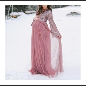Maternity V-Neck Long Sleeve Tulle Gown